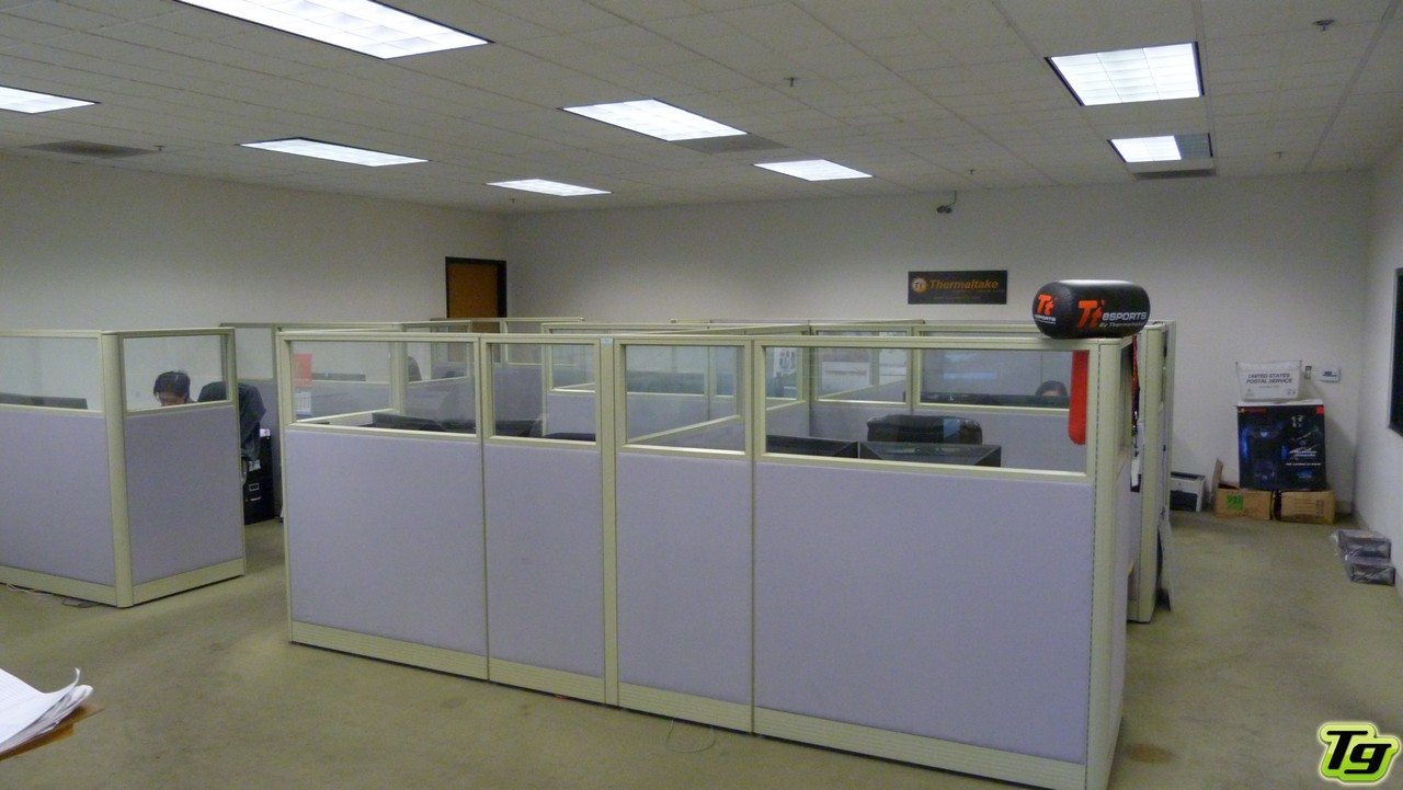 Visita a las oficinas de thermaltake los angeles tecnogaming for Las oficinas